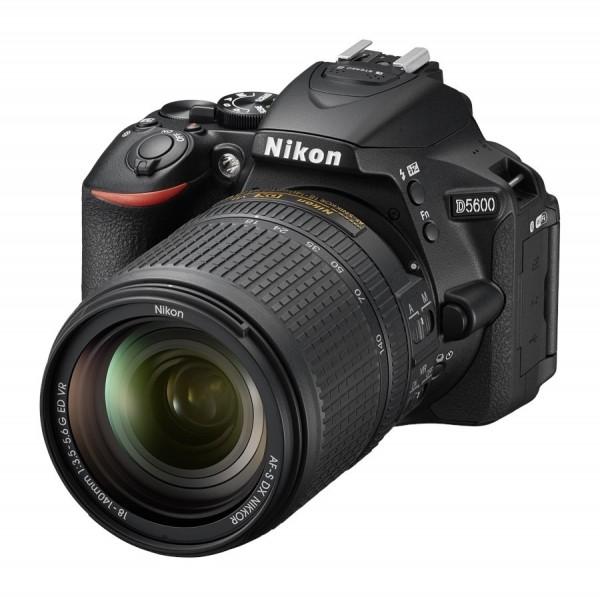 Nikon D5600 + 18-140mm ED VR