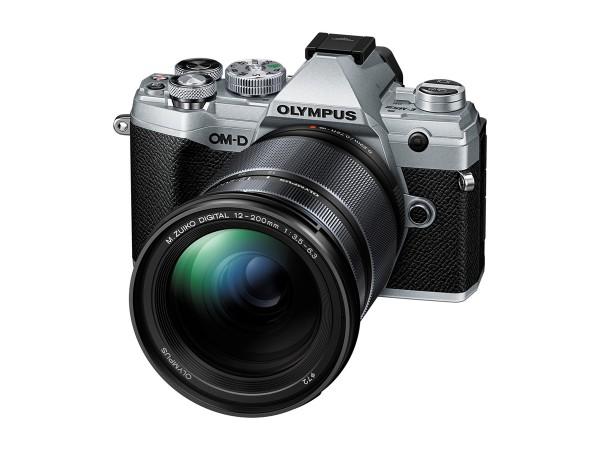 Olympus E-M5 Mark III silber 12-200mm schwarz Kit - M.ZUIKO DIGITAL 45mm F1.8 gratis