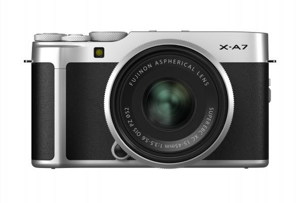 Fujifilm X-A7 + XC15-45 silber